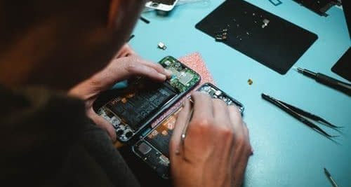 Become a IT Tech and fix electronics for money